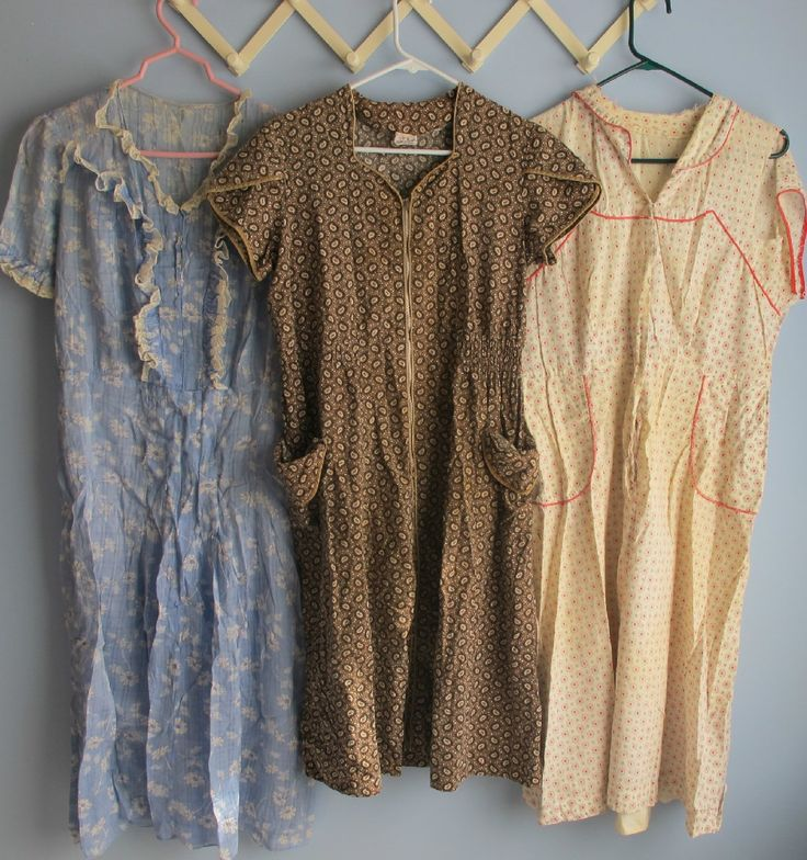 sweet housedresses I have a couple of my grandmother's house dresses - she made hers from the same pattern she'd had since the 30's.