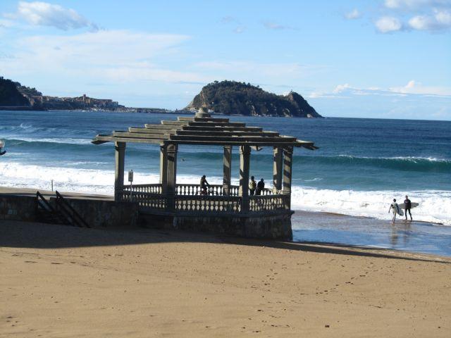 """Mirador desde donde Arguiñano pasó muchos veranos sus programas de cocina en TVe para toda España y nos hacia disfrutar con la playa de Zarauz y las vistas de """"el ratón"""" de Guetaria."""