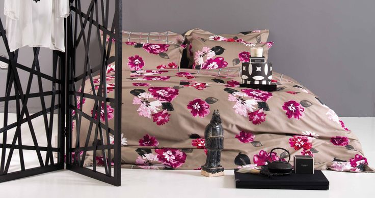 Floral patterns are here to bring spring to our lives. Find out more in www.kazakidis.gr