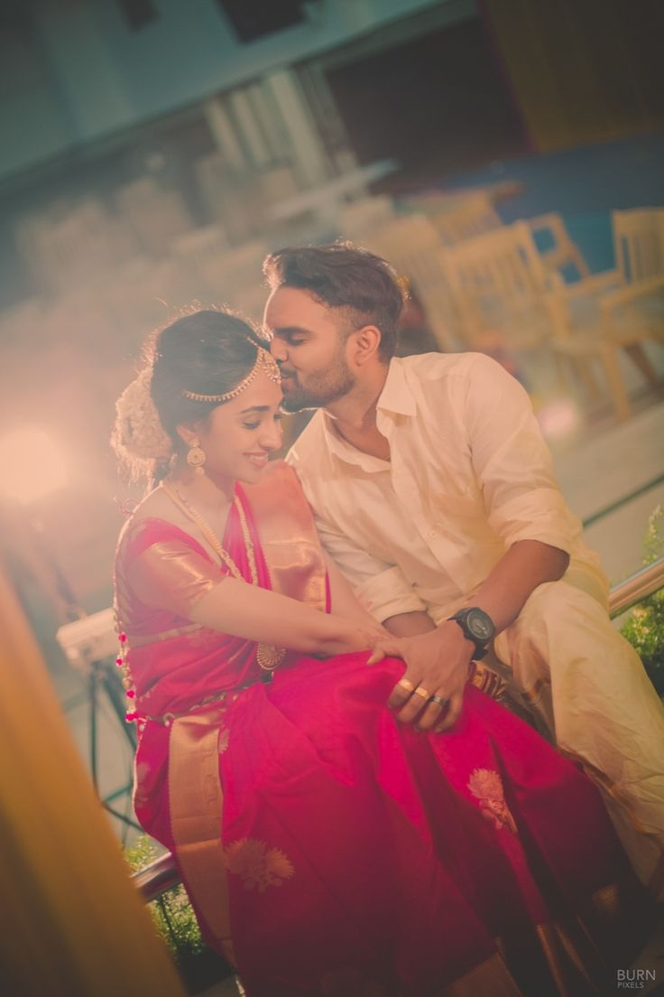 South Indian couple candid photography | weddingz.in | India's Largest Wedding Company | Wedding Venues, Vendors and Inspiration | Indian Wedding Bridal Jewellery Ideas |