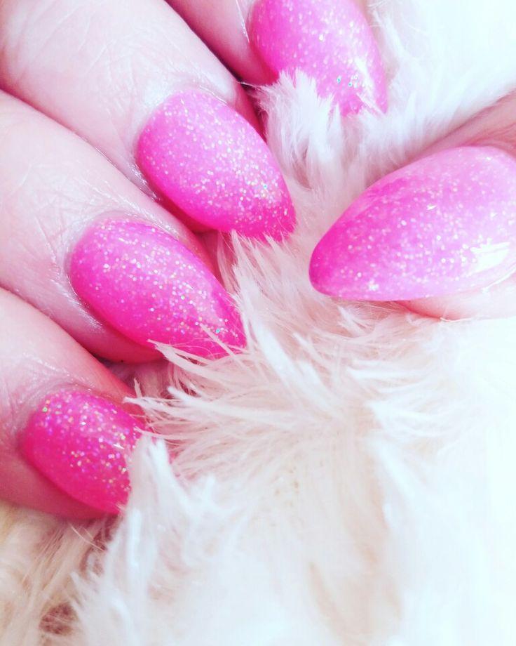 Feel Like Barbie  #newnails #nouveauxongles #ongles #nails #onglesengel #gelnails #glitters #paillettes #onglesapaillettes #glittersnails #onglesroses #pinknails #pink #rose #roseapaillettes #pinkglitters #flamantrose #teamflamantrose #youtube #youtubeusbelge #belgian #belgianinfluencer #fashionaddict #Fashionlovers #FashionisInside @FashionisInside