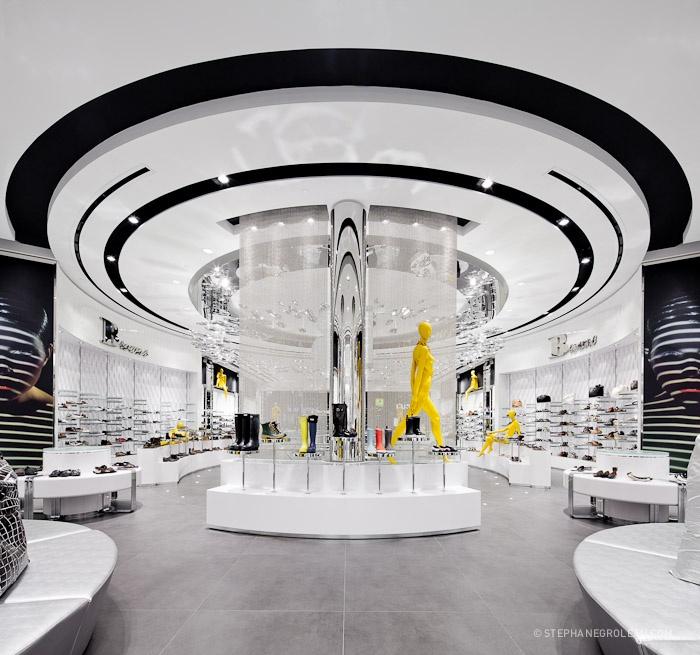 Browns Stephane Groleau 154-2, Futuristic Interior Design, Modern Architecture