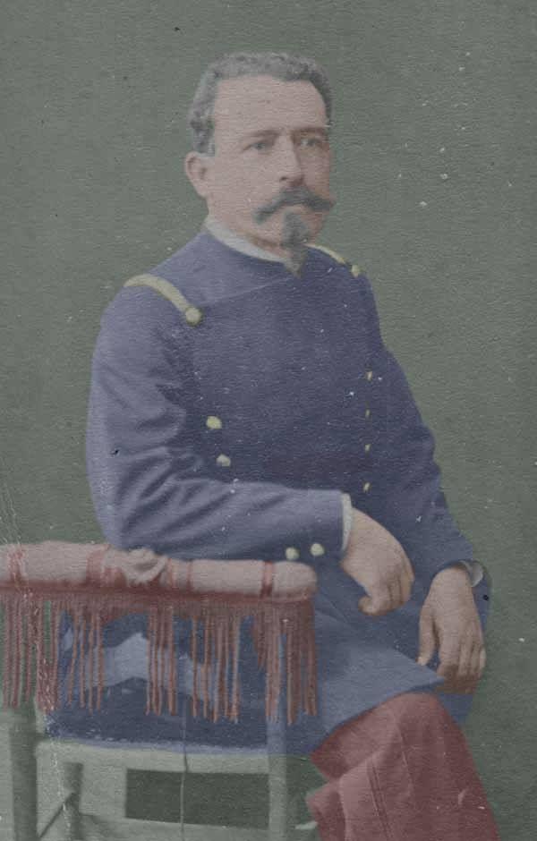 Teniente Coronel Ambrosio Letelier (1837-1934). Julio de 1879 es nombrado miembro del Estado Mayor del Ejército de Reserva. 1880 es designado Comandante de Armas de Tocopilla. 1880 Mimbro del Estado Mayor General. Participó en Chorrillos y Miraflores. Inició la primera campaña a la sierra.