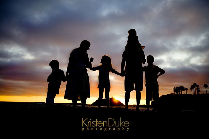 How to shoot a great Silhouette Picture - great for family photo memories | KristenDuke.com