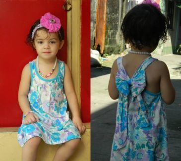 Dani Floral sun dress nice, comfortable,carefree dress prefect for daily wear, play time .    Standard size measurement..   Available size : 3T.   Your little one would love to wear it..   FEEL FREE TO BROWSE OUR FACEBOOK FAN PAGE FOR MORE BEAUTIFUL CLOTHING & ACCESSORIES FOR YOUR CUTTIEST ONE.  https://www.facebook.com/pages/Funkidsus/489179914529590   ORDER NOW : CONTACT US @ Funkidsandus24@gmail.com   Mobile : +610429909420