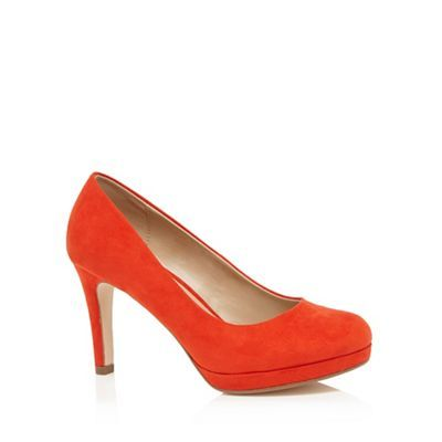 These classic court shoes will add a pop of colour to a woman's office to evening footwear collection. In a faux suede design, they offer a comfortable wider fit and feature a rounded toe and a slim heel for a feminine finish.