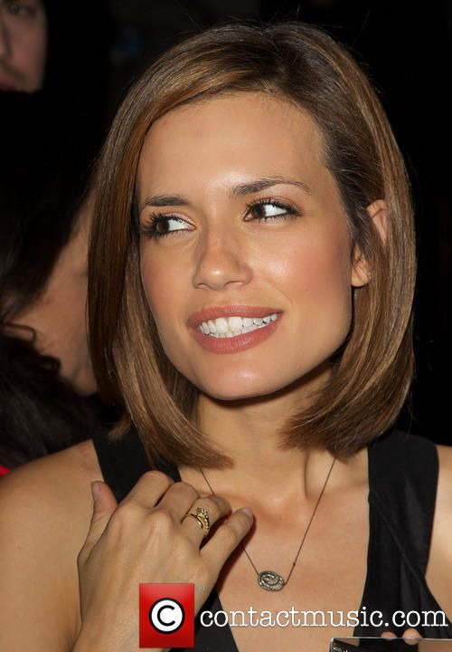 Torrey Devitto bob haircut - short hairstyle, except shes so gorgeous this will never look like that hahah