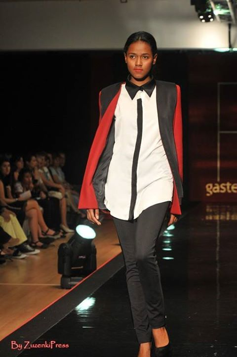 LeSmoking Collection. White blouse with burgundy jacket