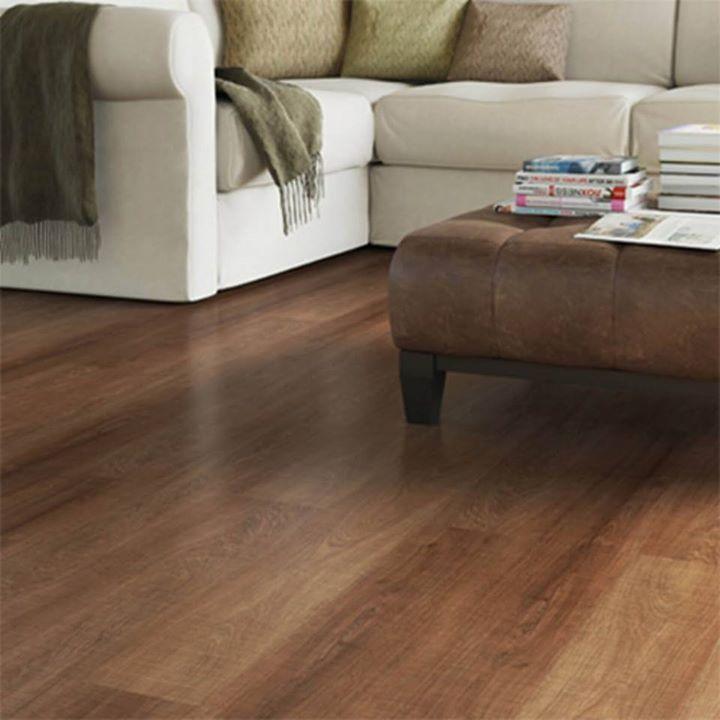 O piso laminado substitui o piso de madeira com estampas semelhantes, mas com mais facilidade na instalação, na manutenção e na limpeza!