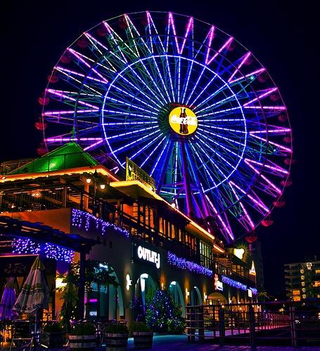 American Village Ferris Wheel by HaUTSaauce, via Flickr