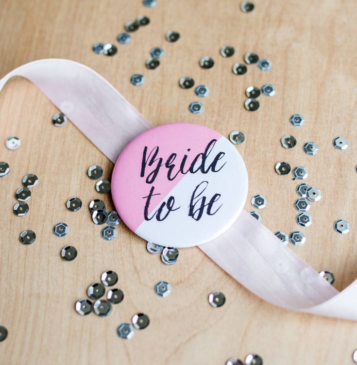 Modern u0027Bride To Beu0027 Hen Party Badge