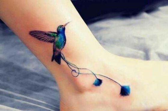 tatuaje colibri para mujeres - Ankle tattoo
