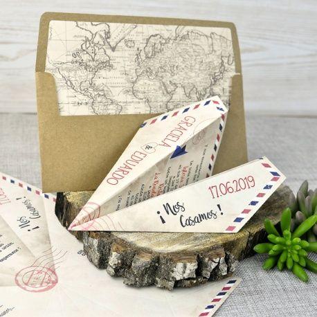 Invitación de boda con forma de avión de papel muy original