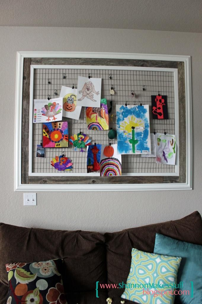 Art display frame tutorial by shannon makes stuff craft for Hanging kids artwork