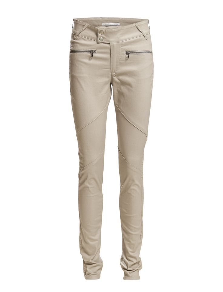DAY - Day New York Glam Rear welt pockets Snap button and zip closure Zip pockets Belt loops Slim fit Excellent quality and fit Refined Sharp