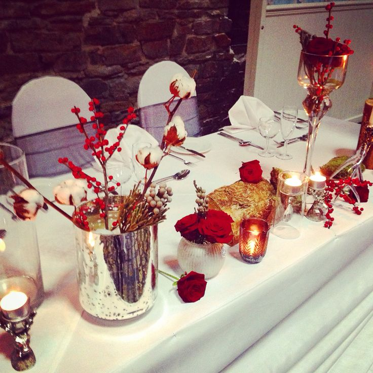 Top table by Magnolia House of Flowers.