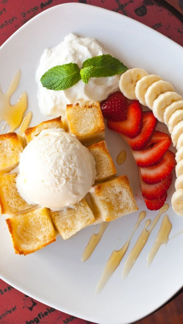 I love Up2You Cafe in San Diego: my mouth is watering thinking about Honey Toast.