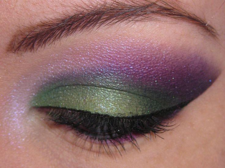 Pluto Eye Makeup: Colors Combos, Pluto Eye, Emeralds, Eye Makeup, Eye Shadows, Beautiful, Sailors, Green Eye, Eyes