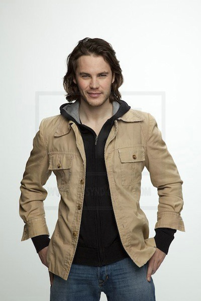 Page 7 « Man Candy Monday: Taylor Kitsch
