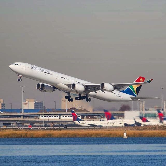 South African Airways A340-600 climbing out of New York JFK, leaving those Deltas all blurred :) pic by @ricosanchez1 #airbus #A340 #A340600 #airbusA340 #airbuslovers #southafricanairways #SAA #southafrican #southafrica #newyork #JFK #takeoff #aviapics4u #travel #aviation #plane #flight #airplane #instatravel #airport #avgeek #aircraft #planes #airplanes #instaplane #planespotting #megaplane #aviationlovers #planeporn #instagramaviation