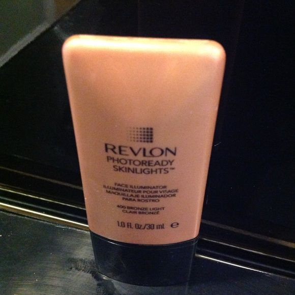Spotted while shopping on Poshmark: Revlon Highlighter! #poshmark #fashion #shopping #style #MAC Cosmetics #Other