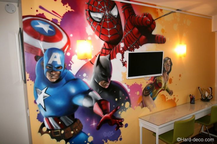 Composition spiderman batman captain america et for Decoration chambre spiderman