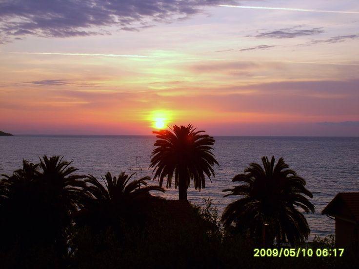 Sonnenaufgang in Diano Marina Italien - Sunrise in Diano Marina Italy