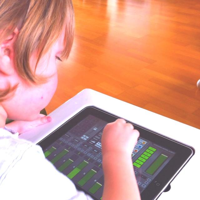 """""""Nee niet de Nijntje-app, die is voor meisjes (!) ik wil de groovemaker"""" - slimme neef ;-)"""