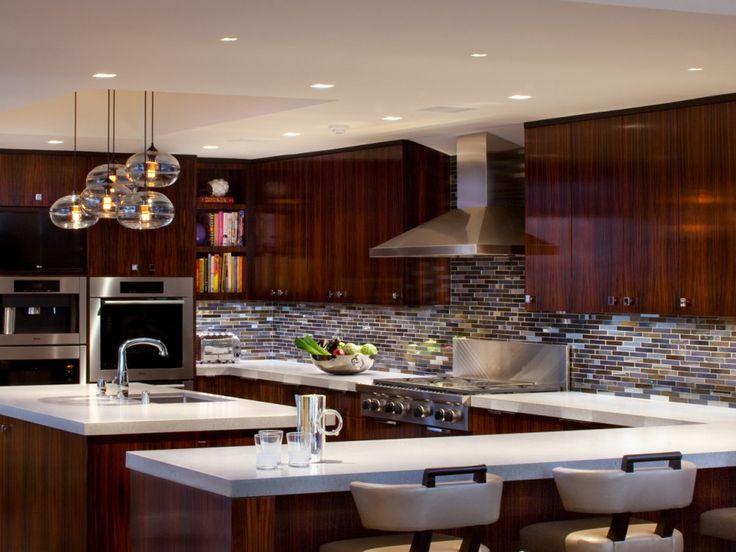 https://i.pinimg.com/736x/bf/30/6e/bf306e425408d0cc76ed2ed6089940a4--kitchen-lighting-home-lighting.jpg