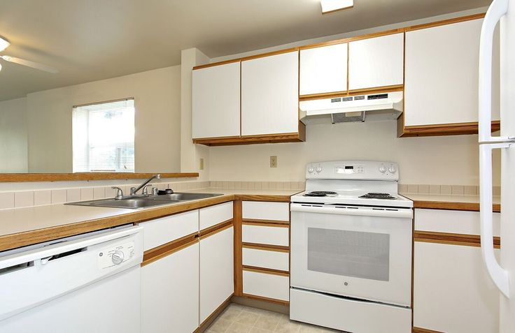 Love to entertain? Imagine all the delicious dishes you can make in this kitchen! #yum #TheDiplomat #Apartments in #Washington