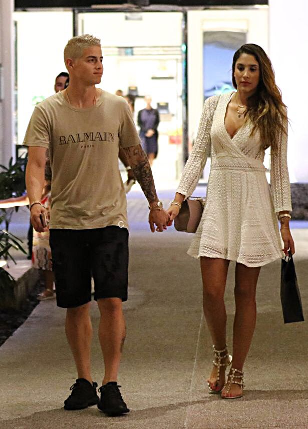 James Rodriguez with his wife shopping 28.6.16