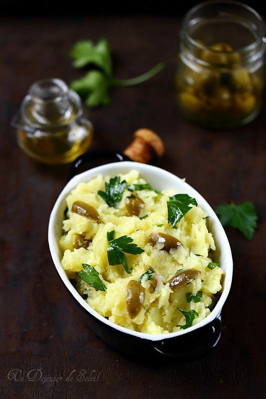 Un dejeuner de soleil: Écrasée de pommes de terre au citron et aux olives...