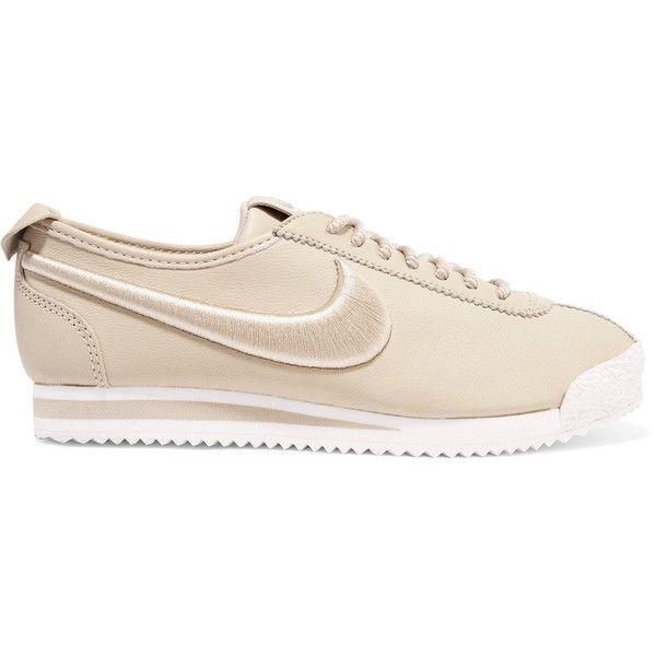 Nike Cortez 72 SI embroidered leather sneakers ($130) ❤ liked on Polyvore featuring shoes, sneakers, beige, leather lace up sneakers, embroidered shoes, lace up shoes, beige sneakers and nike shoes