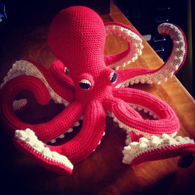 Crocheted octopus from Crocheted Sea Creatures #crochet #octopus #gmcpublications #vanessamooncie #crochetedseacreatures