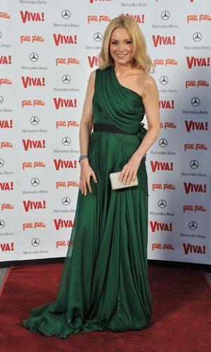 Simona Gherghe intr-o rochie superba semnata de Maria Lucia Hohan