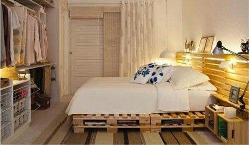 Letti matrimoniali a una sola piazza, alti o a livello del pavimento, in stile antico o contemporaneo. Il letto è il punto focale di ogni stanza dedicata al riposo. I letti in commercio, però, non rispondono sempre a tutte le esigenze d'arredo o di budget di chi sia alla ricerca[...]