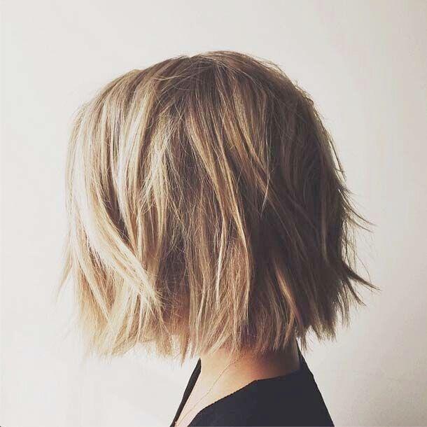 stilvolle kurze Bob Haircut für kräftiges Haar