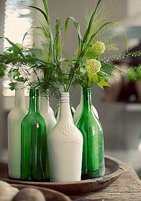 Flessenvaas DIY | doe het zelf  De beste stylingtips zijn zo simpel dat je jezelf afvraagt waarom je er niet eerder op bent gekomen…  www.twoonhuis.nl