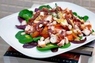 Салат-с-осьминогом-белой-фасолью-помидорами_EatAndBe.ru_006453_blog
