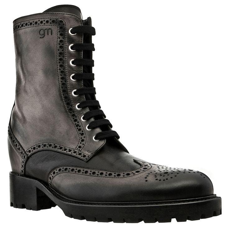 Stivali con rialzo interno in pelle nera effetto invecchiato, fino a 10 cm in più!  Carnaby - € 795  http://guidomaggi.it/a-i-2014-15/carnaby-detail#.VJQ8HsAAA