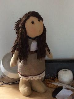 Fili e Gomitoli: bambola di stoffa con modello