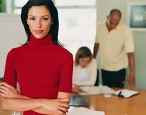 L'assistante de direction recueille et traite, dans le domaine administratif, les informations nécessaires à la préparation des décisions. Elle assure le suivi des dossiers du responsable qu'elle assiste ainsi que la gestion des relations internes et externes.