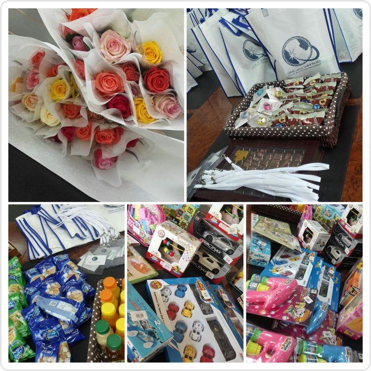 طالبات جامعة فهد بن سلطان يزرن مستشفى الولادة والأطفال Gift Wrapping Gifts Wrap