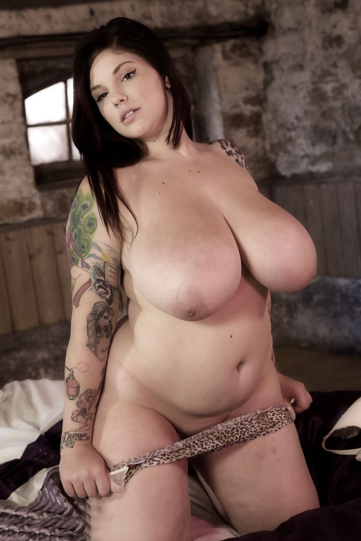 sexy nude full figured ladies