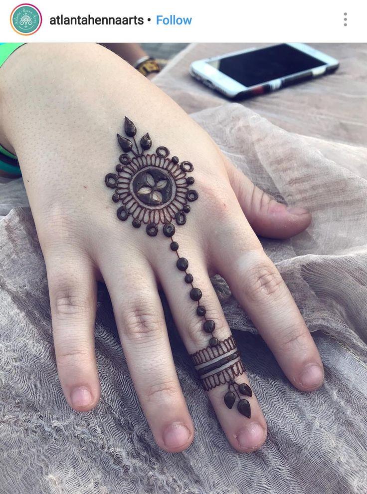 Henna hand and wrist idea