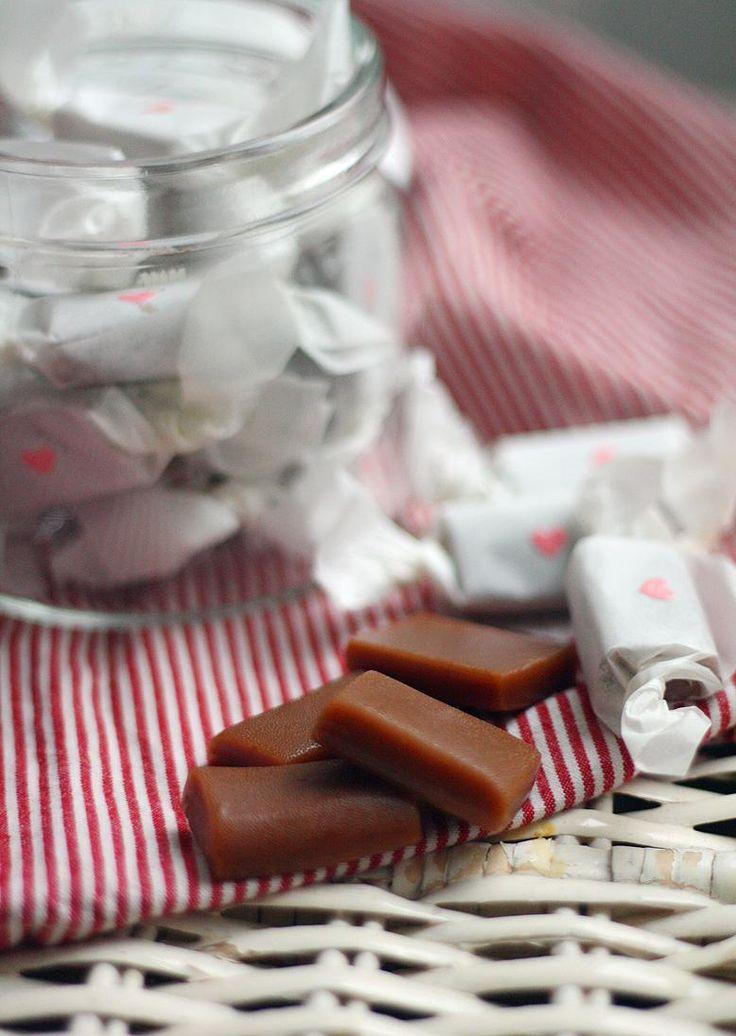 Lakritsitoffee // Liqorice fudge Food & Style Annamaria Niemelä, Lunni leipoo Photo Annamaria Niemelä www.maku.fi