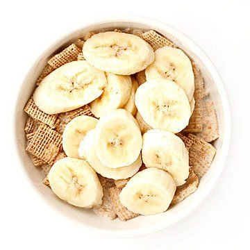 Lose-Weight Breakfasts | 1 cup fiber-rich cereal (such as Multi-Bran Chex) with 1/2 cup fat-free milk and 1/2 medium banana, sliced; 1 hard-boiled egg.  370 calories, 7g fat, 9g fiber