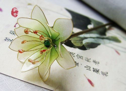 The transparent crystal resin flower hair by Numerousflowerfall