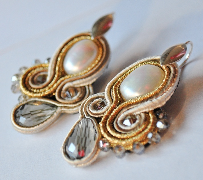 earrings GOLD LILAC     http://edefjewels.blogspot.it/2012/07/not-everything-that-glitters-is-gold-is.html