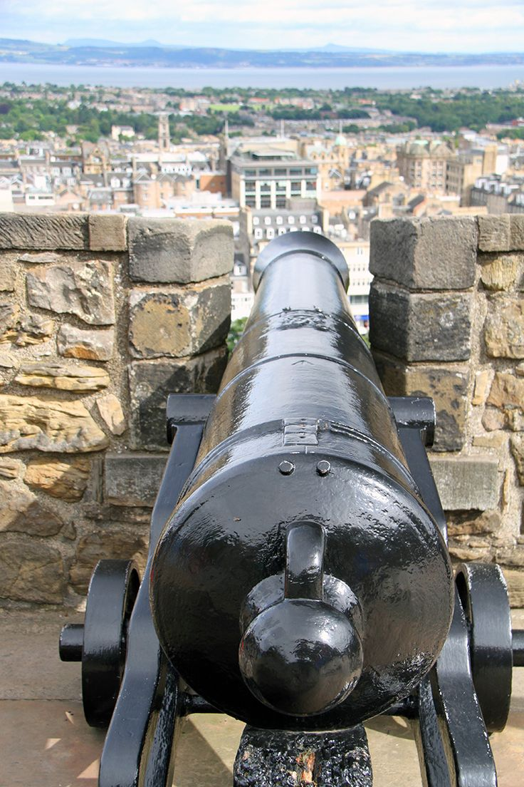 Who goes there? Edinburgh Castle